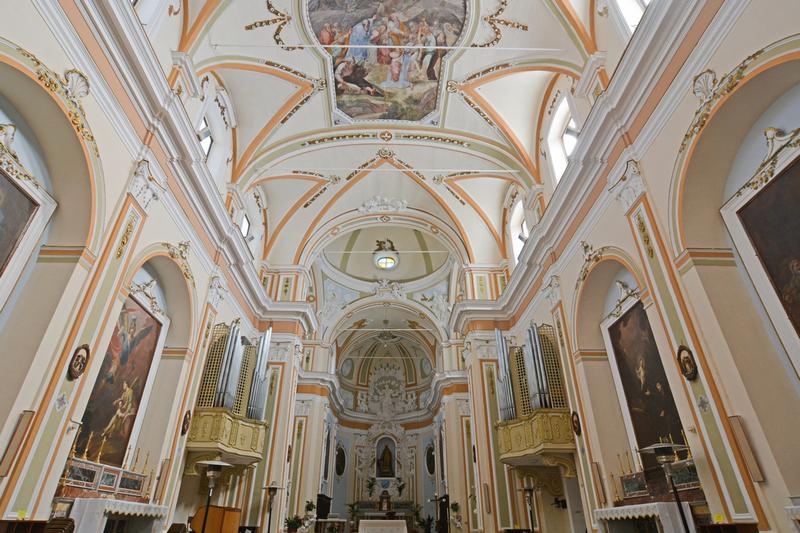 Chiesa-Madre-Aragona-interno